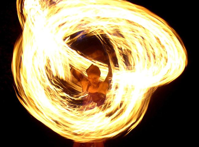 Feuershow  -  Die Feuertänzer